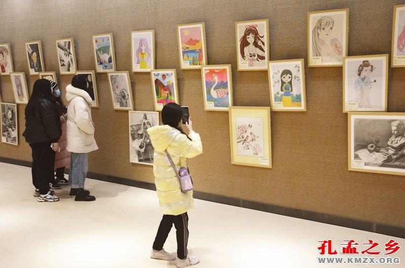 济宁市艺术特长生书画作品展开幕